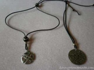 homemade bootlace necklace