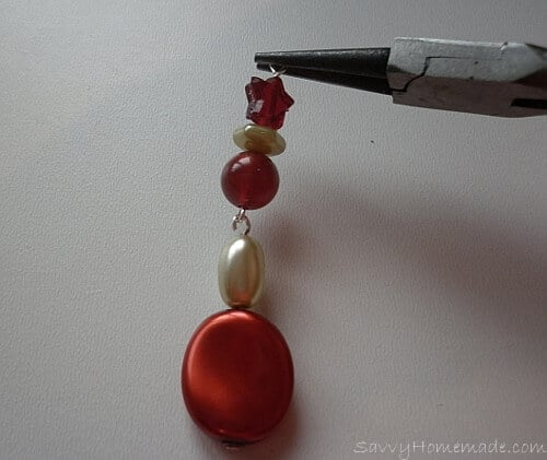 Long and flexible homemade earrings Step5