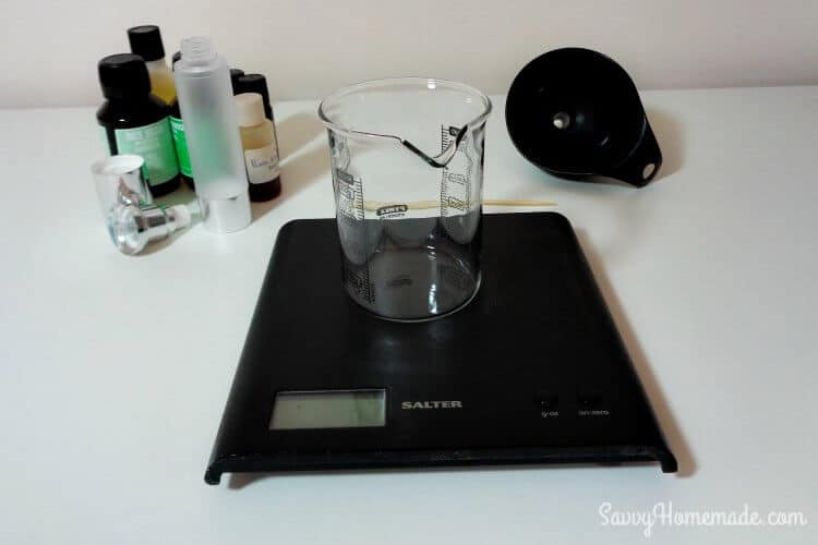 ingredients and equipment for face moisturizer using oils