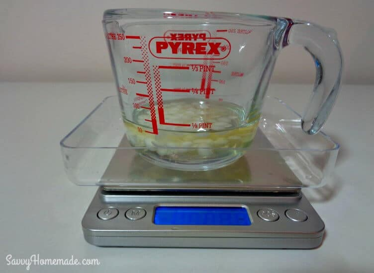 weigh oils for the natural face cleanser