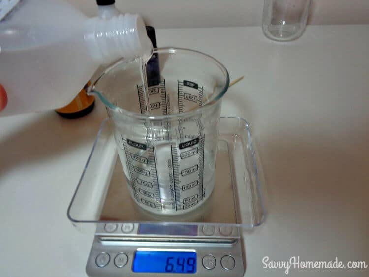 measure emulsifier for a homemade face wash
