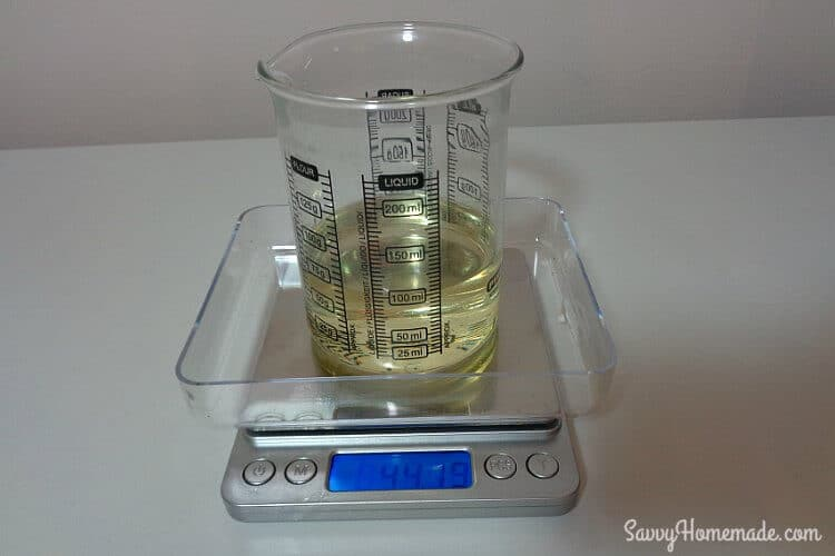 measure oils to make natural facial cleanser