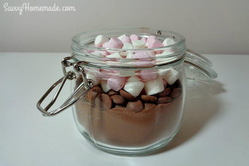 diy hot chocolate in a jar gift