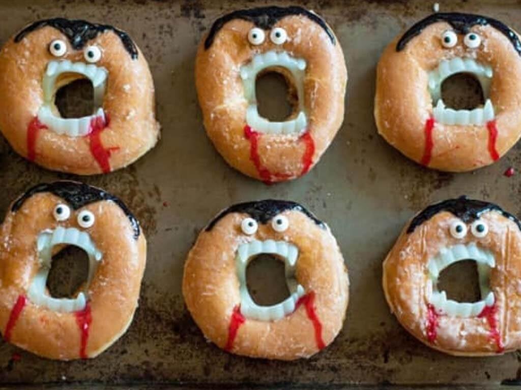 Hilarious No-Bake Vampire Doughnuts