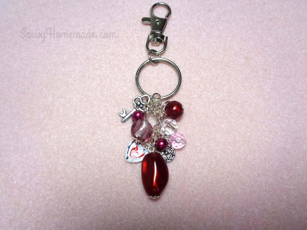 How To Make Amazing Keychains With Beads And Charms a4663e695fa7