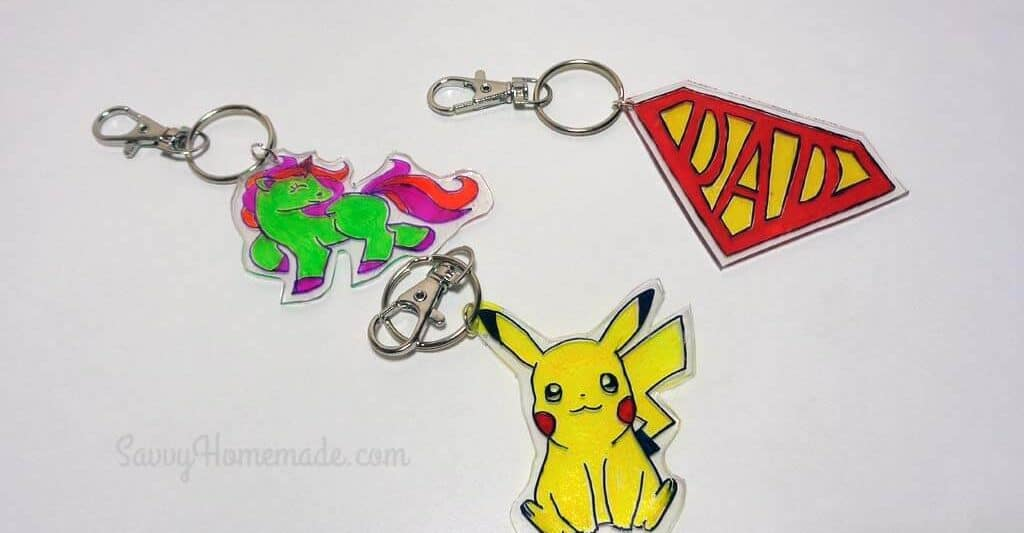 Personalized DIY keychains using plastic