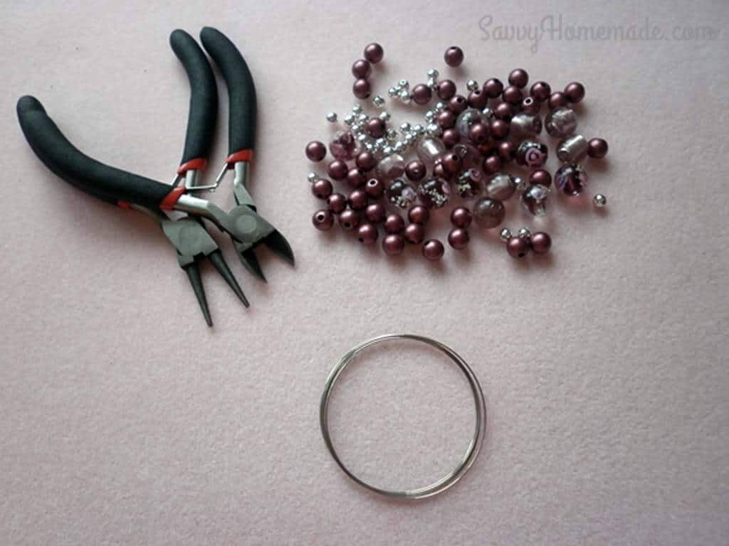 WHAT YOU NEED TO MAKE A MEMORY WIRE BRACELET