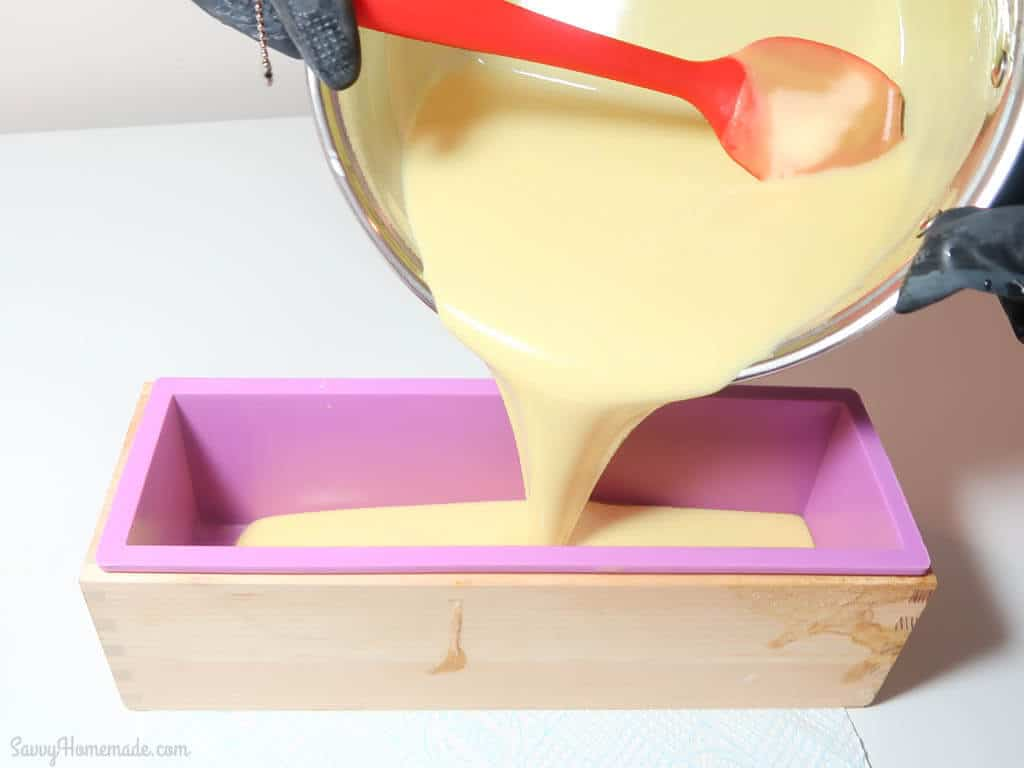 How to swirl cold process soap step 9
