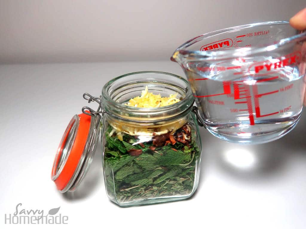 how to make a herbal tincture.
