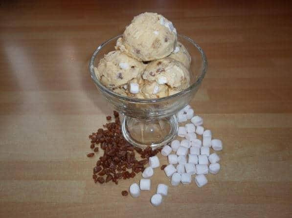 homemade cream pie with butterscotch ice cream