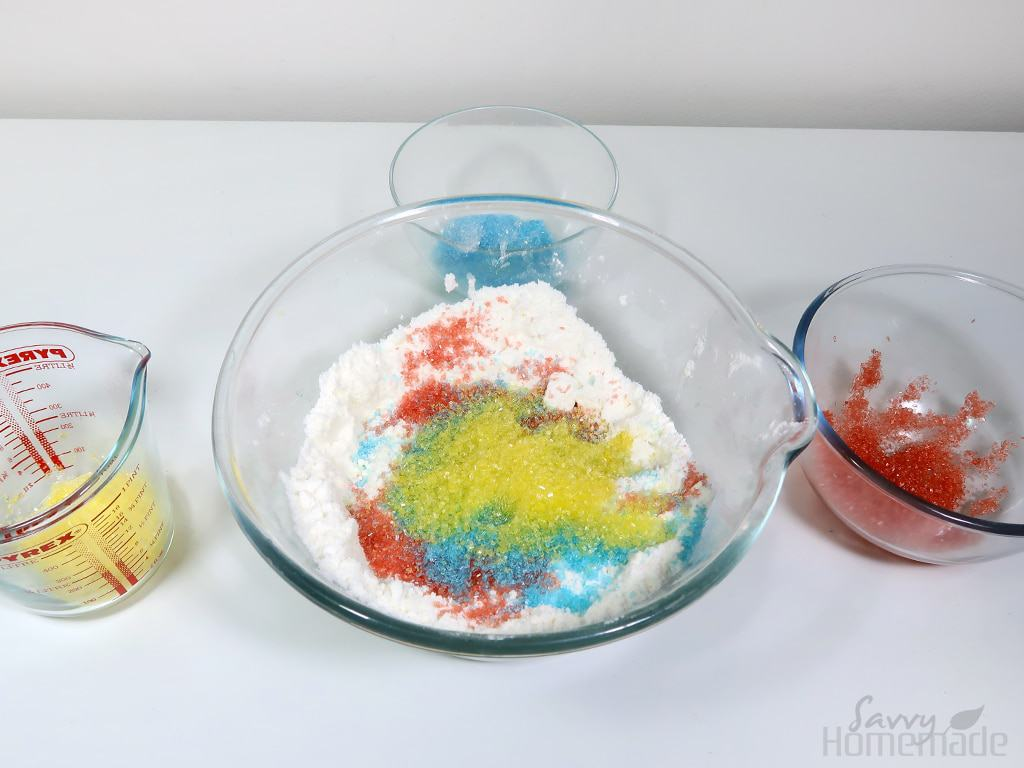 step 4: Add the dyed Epsom salts to the bowl and mix thoroughly