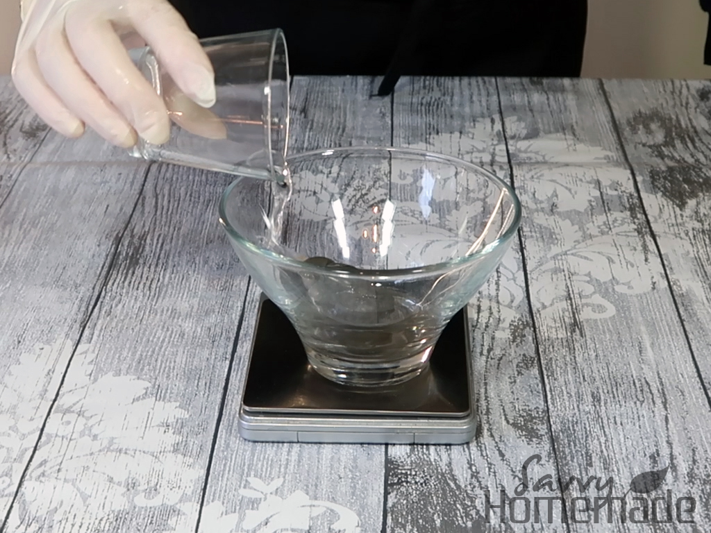 Blend in around 7.5g (1 1⁄2 tsp) of warm water, it should be fairly runny and water at this point.