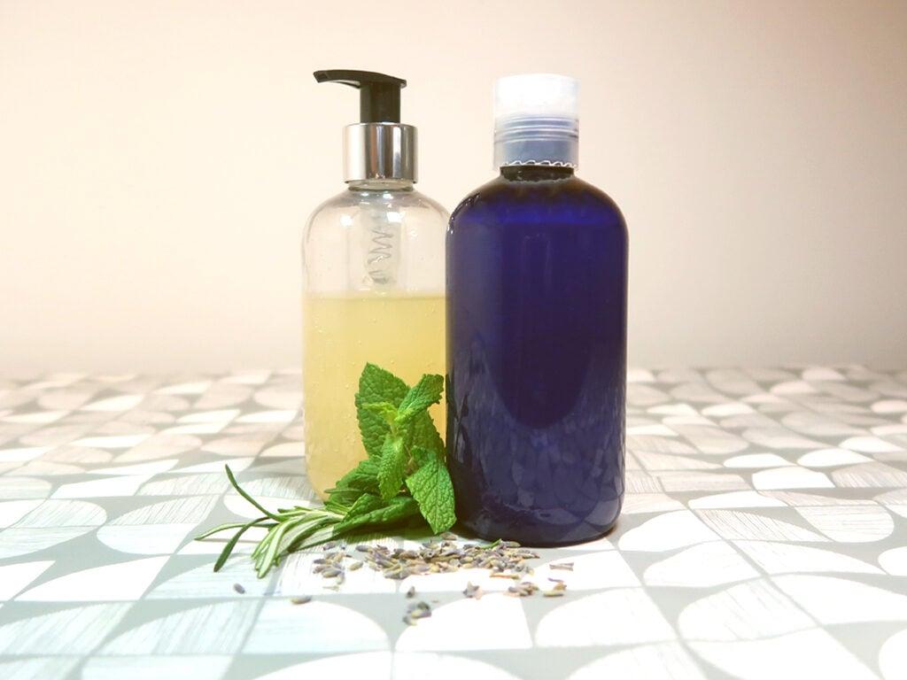 A diy clarifying shampoo that smells amazing