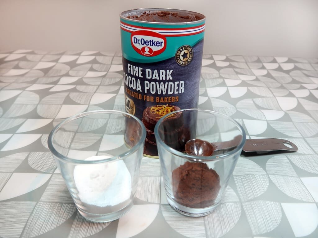 Coco powder, which can be used to fragrance and tint your diy dry shampoo for dark hair