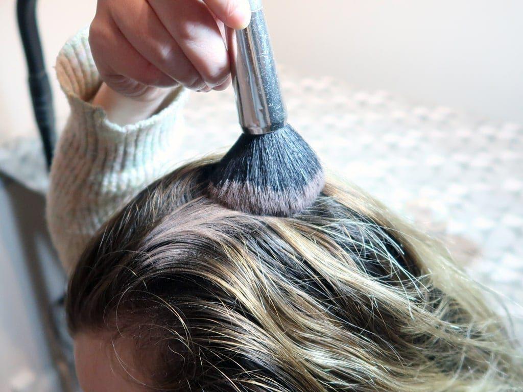 how to use a diy dry shampoo