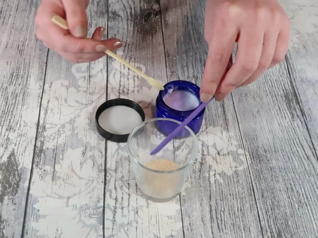 Cream is added to the eye shadow base powder